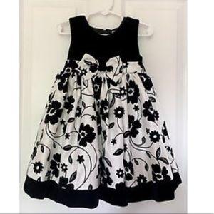 Nannette velvet dress 😍💕